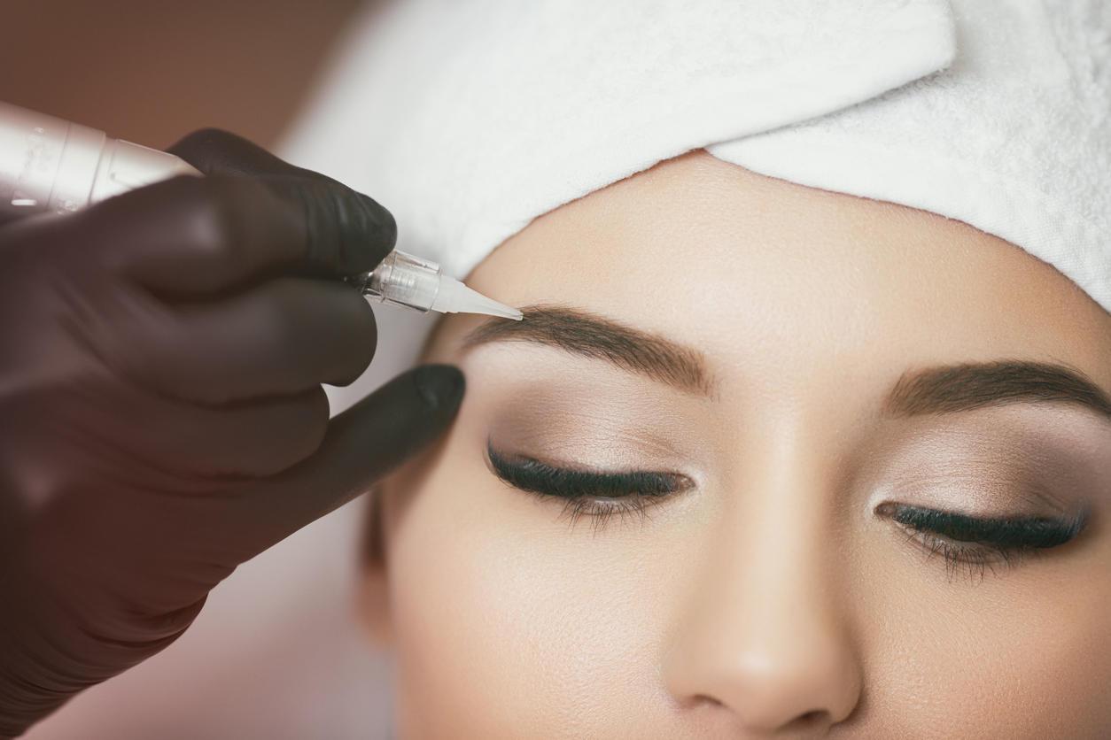Audacieuse Mise en garde sur le maquillage des sourcils : ils peuvent devenir OW-44