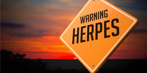 Crise d-herpes, bouton de fievre : attention au soleil !