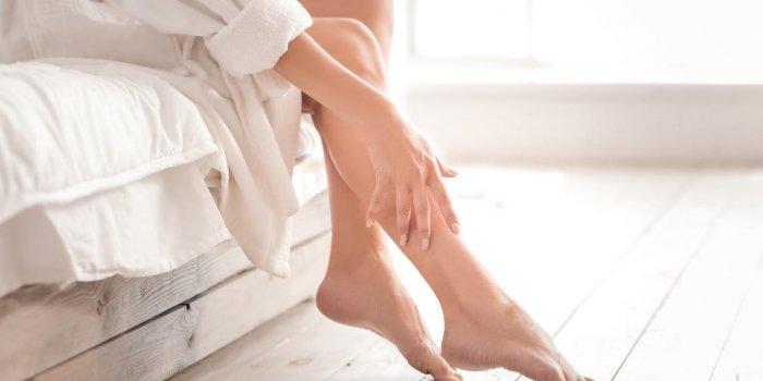 Plaque rouge sur les jambes : l'érysipèle