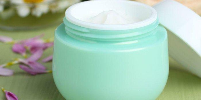 Vaseline : des vertus pour la peau, usages de la vaseline